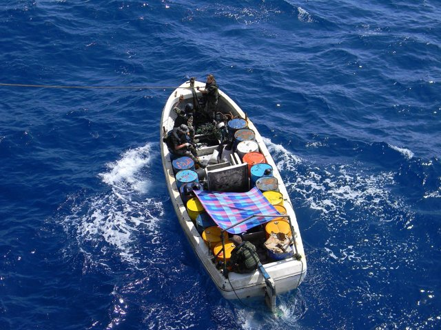 Pequeño barco usado como nodriza por piratas