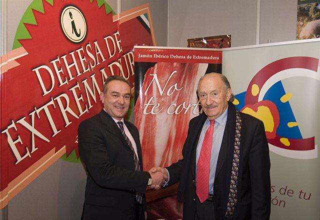 Firma convenio entre La DOP Dehesa de Extremadura y la FEC