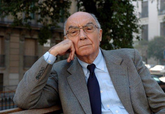 El escritor portugués José Saramago