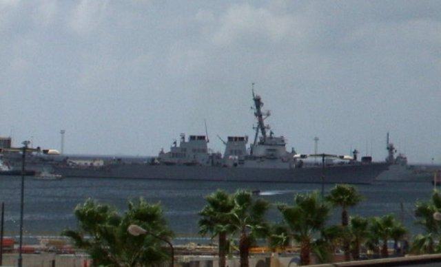 Una fragata en el Puerto de Cartagena
