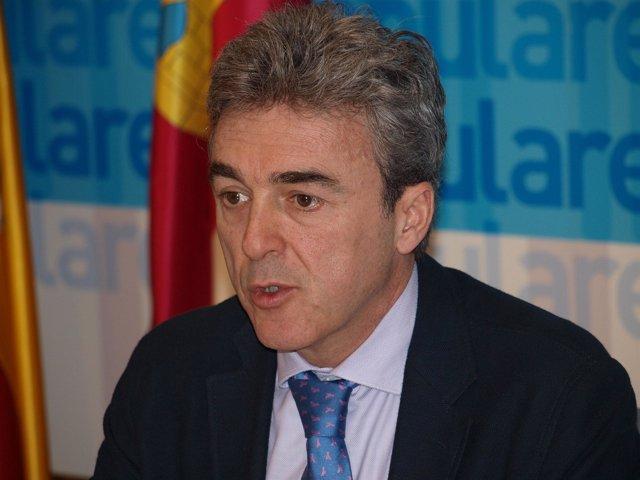 Esteban En Rueda De Prensa, 7 2 11