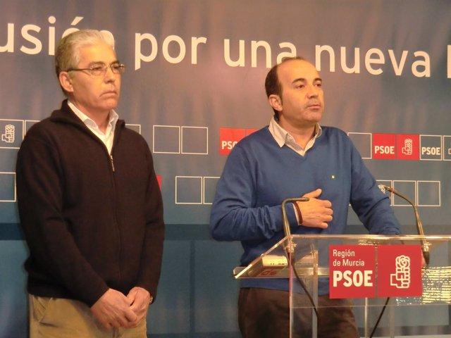 Pedro López acompañado por Ginés Martínez