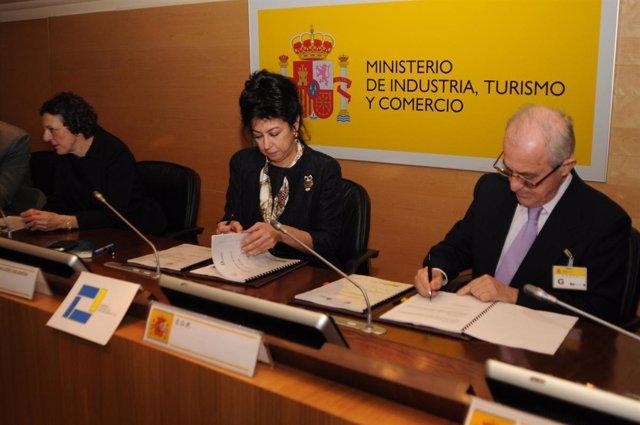 Acuerdo firmado entre Suraval y Cersa.
