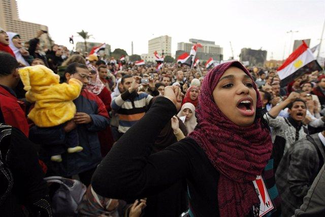 Los egipcios siguen con las protestas en El Cairo