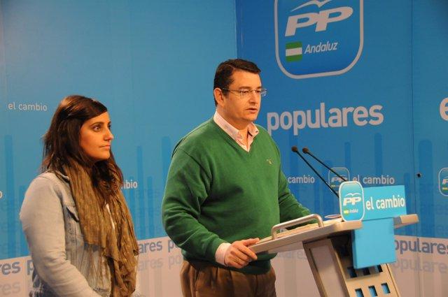 Antonio Sanz, junto a Beatriz Jurado