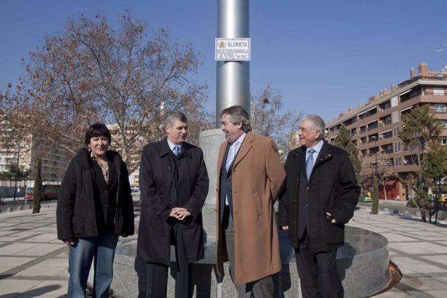 El alcalde Belloch y el presidente de la RFEF, Ángel María Villar, en la nueva p