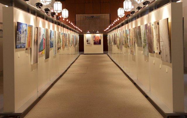 El Parlamento expone las mejores obras de su I Certamen de Pintura Rápida