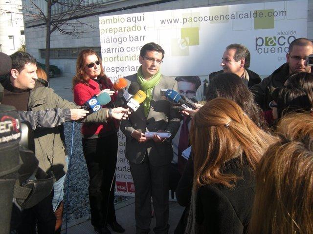Francisco Cuenca atiende a los medios
