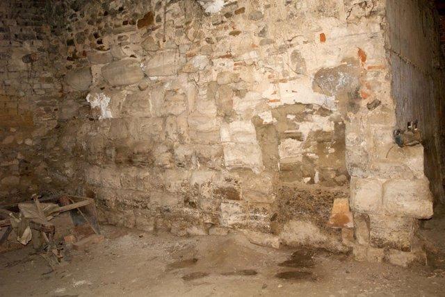 El torreón islámico descubierto en el casco urbano de Novillas se sitúa en un al