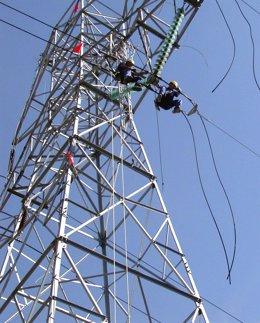 Trabajos en torres de alta tension