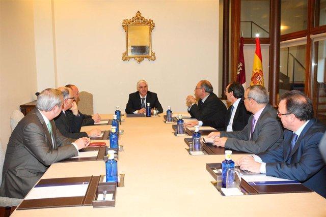 Reunión de la comisión permanente de la OMC con Barreda.