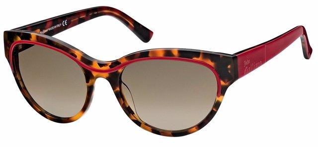 Gafas estilo ojos de gato de John Galliano