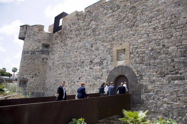 Representantes Del Ayuntamiento De Las Palmas De Gran Canaria Visitan El Castill
