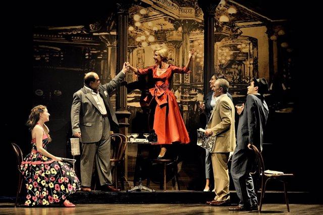 Representación de teatro de 'Amar en tiempor revueltos'