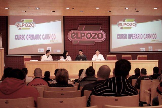 ELPOZO ALIMENTACIÓN formará a 240 desempleados como Operarios Cárnicos