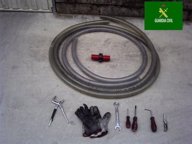 Algunas de las herramientas para robar el gasoil