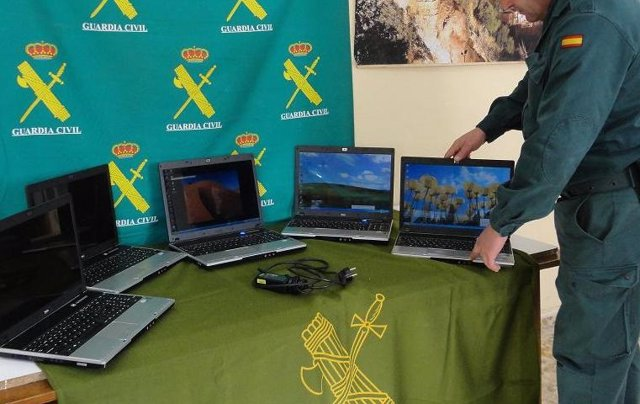 Recuperados cinco ordenadores robados en Arriate