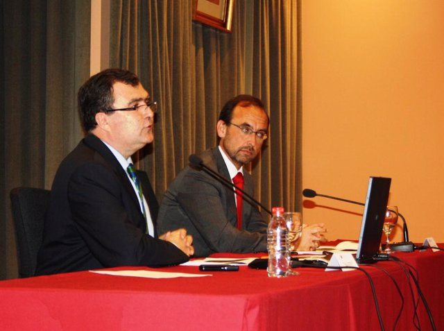 Los consejeros José Ballesta y Salvador Marín durante la presentación de la Estr