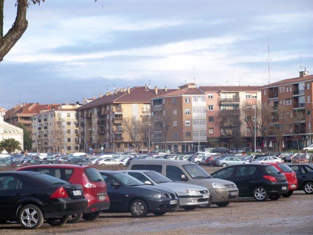 Coches en aparcamiento Santa Teresa