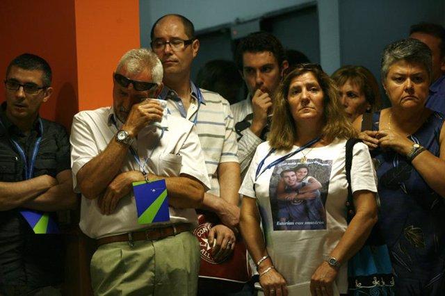 Familiares de los fallecidos en el accidente de Spanair en Madrid-Barajas