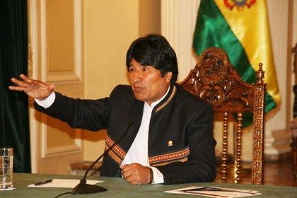 """Libia.- Evo Morales alerta de la """"intervención"""" de las """"potencias extranjeras"""" en Libia para """"adueñarse"""" del petróleo"""