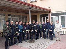 Los bomberos apoyan a los trabajadores encerrados en el Magerit
