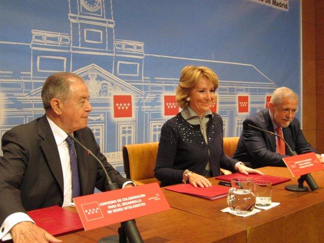 Gabarró, Aguirre y Beteta en la firma del convenio