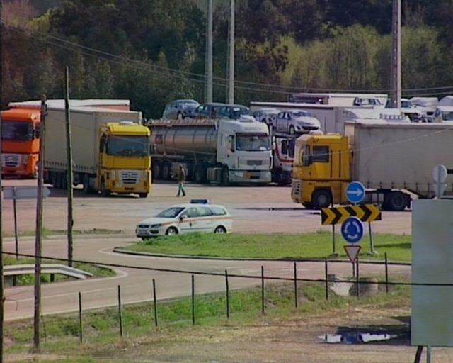 Tráfico de camiones fluido en la frontera con Badajoz
