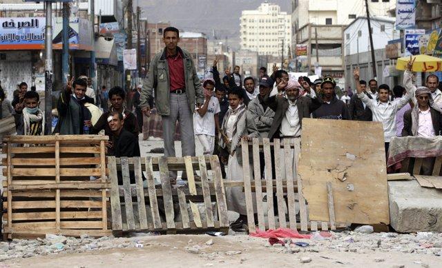 Manifestantes en Yemen