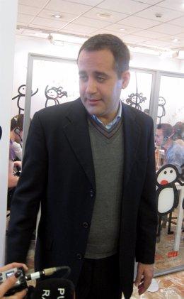 Jorge Alarte en la sede del PSPV de Blanquerías