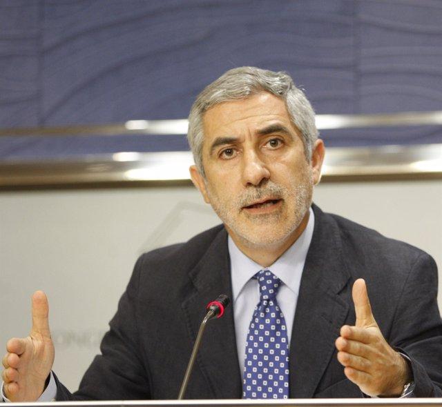 Diputado de Izquierda Unida en el Congreso, Gaspar Llamazares