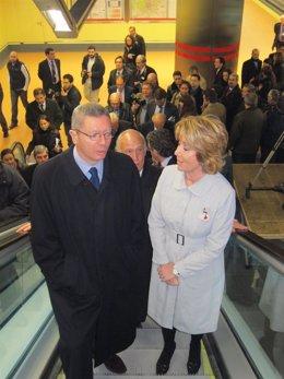 Gallardón, Aguirre y Echeverría durante la inauguración del Metro a Las Rosas