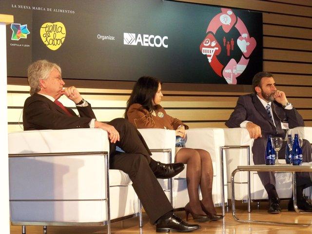 Juan Pascual, en una mesa redonda en XI Congreso de AECOC