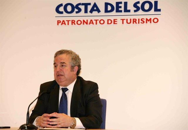El presidente de la Diputación de Málaga, Salvador Pendón, en rueda de prensa