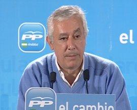 Arenas no ve correcto que Griñán realice una comparecencia sobre la decisión del TC antes de reunirse con los grupos