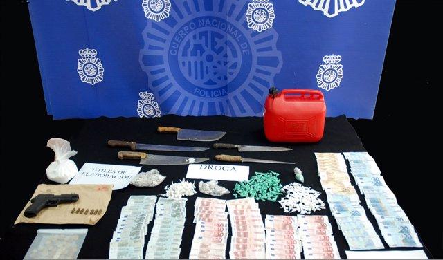 Material incautado por la Policía Nacional en una operación en la barriada Hotel