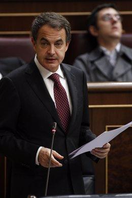 Zapatero en el Pleno del Congreso