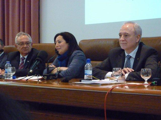 Maritina Hernández junto a responsables de Anecoop