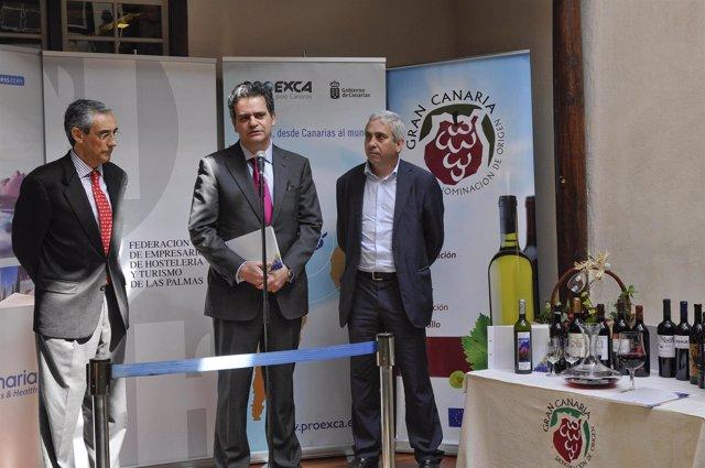 Jorge Rodríguez presenta la Carta de Vinos de Gran Canaria para establecimientos