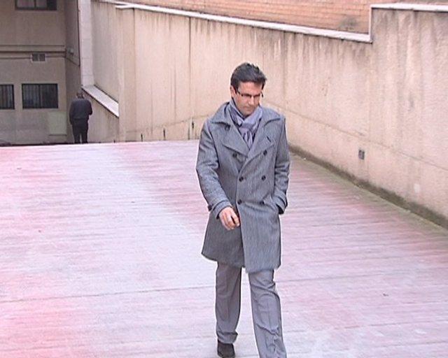 El candidato del PSOE a la Alcaldía, Francisco Cuenca, a la salida de los Juzgad