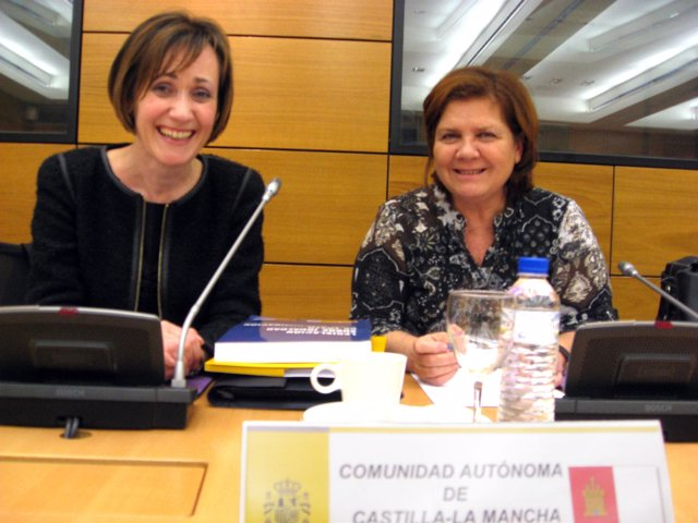 La consejera (d) en la Conferencia Sectorial