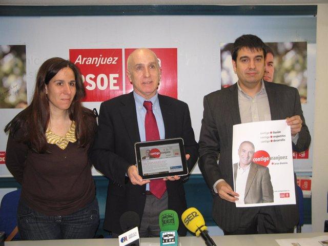 Dionisio presenta la página web 'Contigo Aranjuez'