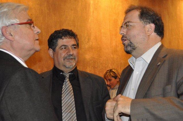 Gonzalo Arguilé, junto a Ramón Laplana y Bizén Fuster