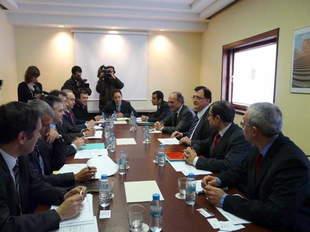 Reunión del conseller F.X.Mena con el sector catalán de la moto