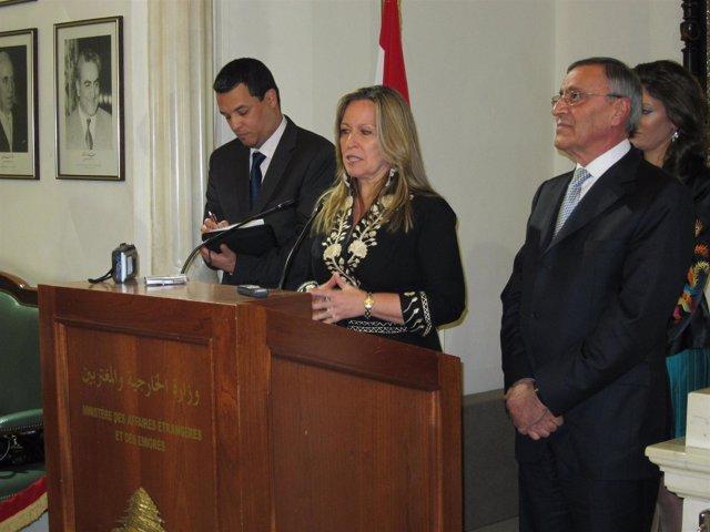 La ministra de Asuntos Exteriores, Trinidad Jiménez, con su homólogo libanés en
