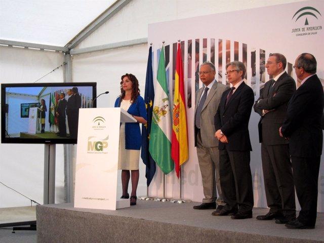 Montero con Shomi Bhattacharya, Guillermo Antiñolo y Joaquín Dopazo hoy en el ac