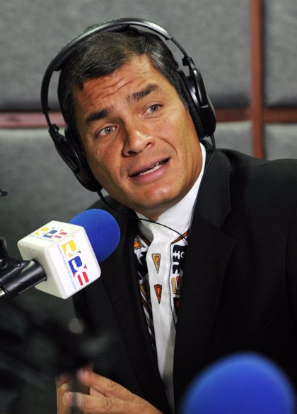 Ecuador.- Correa afirma que no le interesa controlar los medios de comunicación