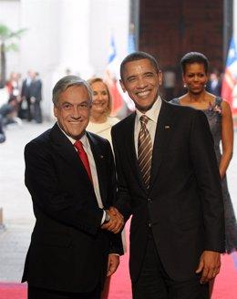 El presidente de Chile, Sebastián Piñera, recibe al mandatario estadounidense, B