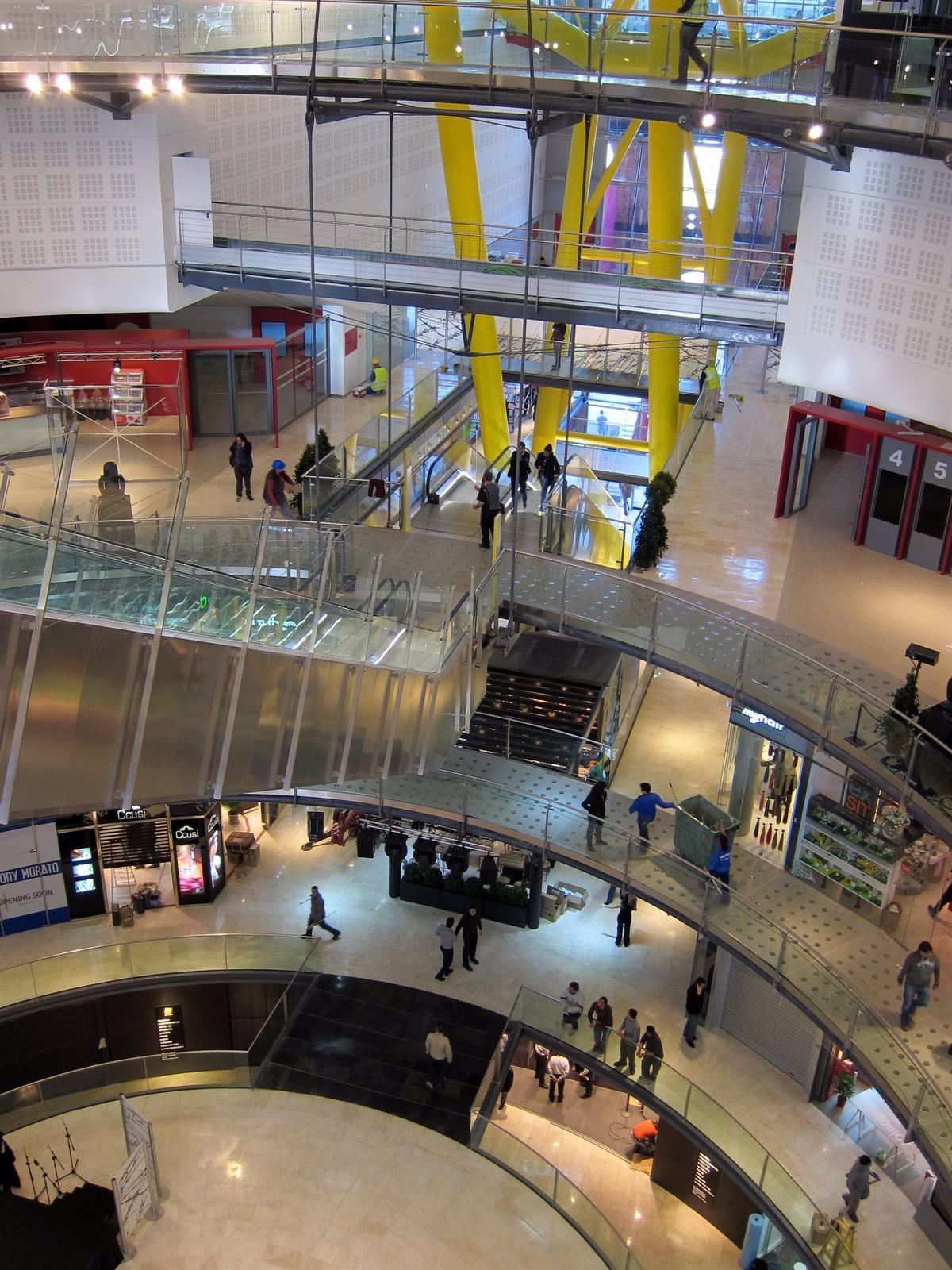 La Plaza De Toros De Las Arenas Reabre Convertida En Centro Comercial