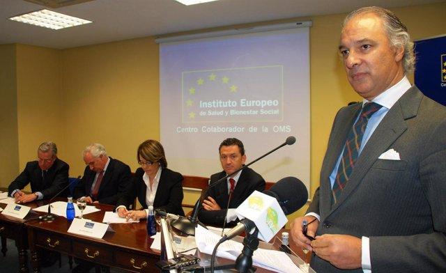 Manuel de la Peña, Instituto Europeo de Salud y Bienestar Social.